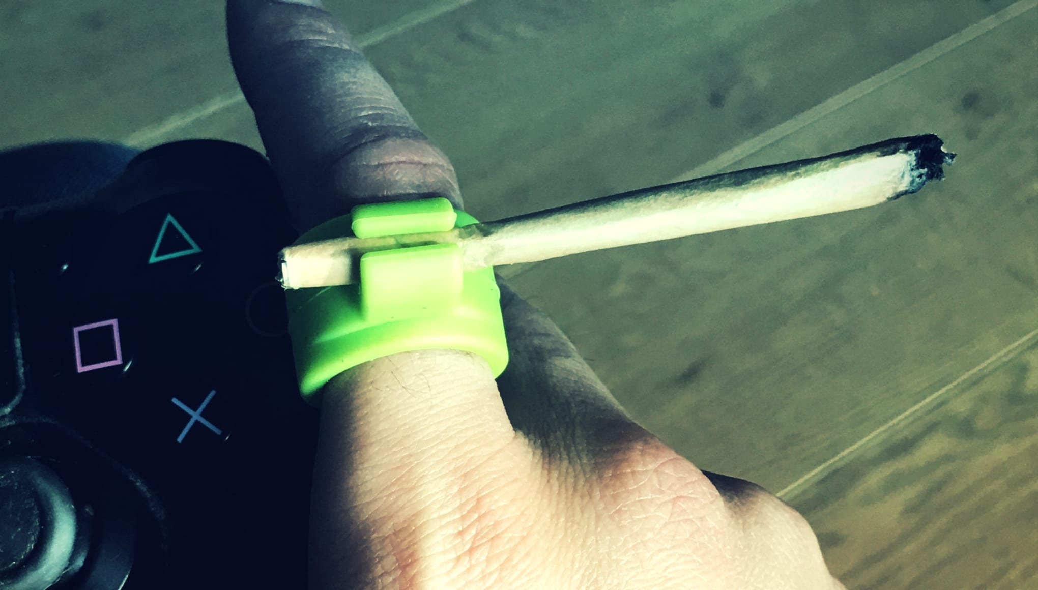 Ring With Joint Holder